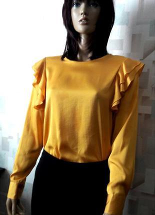 Очень красивая яркая блуза с воланами от m&s