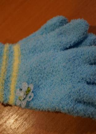 Теплые перчатки на  девочку 3-5 лет