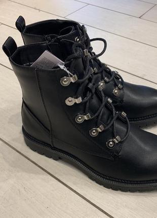 Качественные ботинки на шнурках сапоги house есть размеры