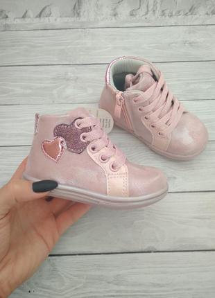 Ботиночки для маленьких модниц 👧