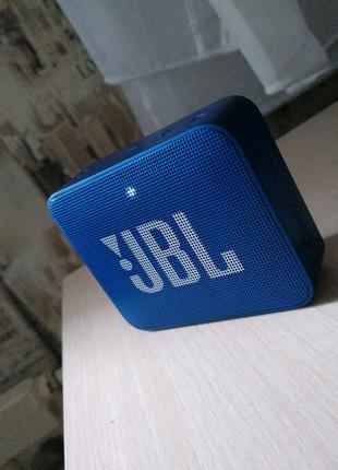 Портативная  JBL GO2