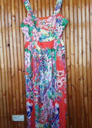 Яркое плиссированное платье h&m