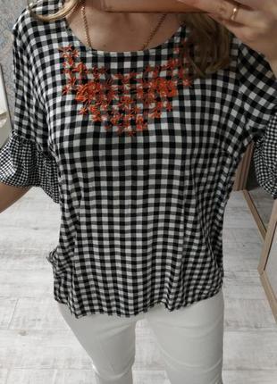 Красивая натуральная актуальная блуза с вышивкой