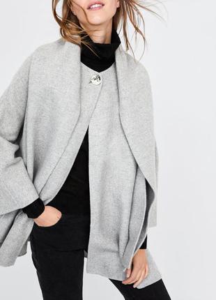 Очень стильное шерстяное пальтишко с шарфиком