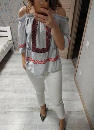 Красивая блуза вышиванка с открытыми плечами хлопок