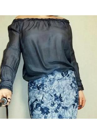 Нежная блуза из шелка с открытыми плечами one size/ 12-16 размер.