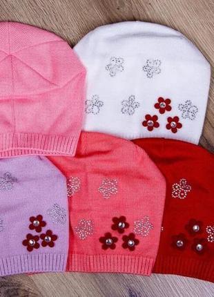 """Демисезонная шапка для девочек """"три цветка"""""""