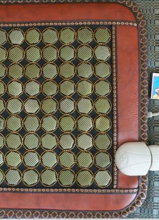 Нефритовый коврик из полудрагоценного камня 45x45