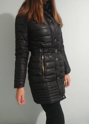 Черное пальто пуховик стеганый