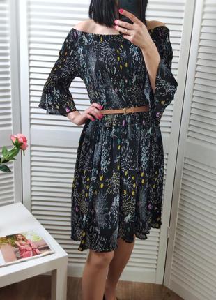 Платье на плечи в цветочный принт yumi, p-p uk 16/l