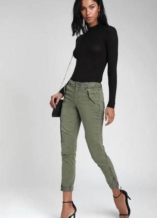 Моднейшие джинсы цвета хаки denim rebel размер м-л
