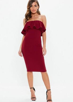 Вечернее фактурное бордовое облегающее платье миди бюстье с во...
