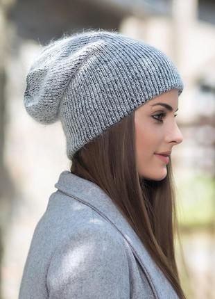 Женская зимняя шапка-бини серая