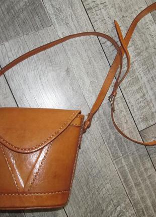 Маленькая сумочка типа кроссбоди
