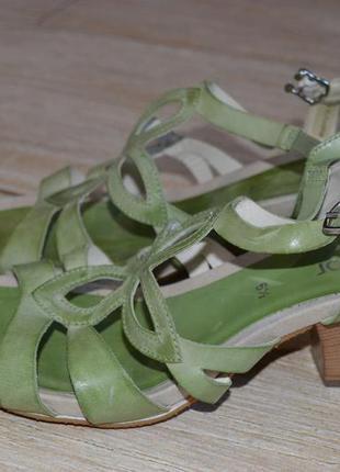 Gabor 40р. кожаные босоножки , сандалии на каблуке. туфли