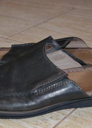 Clarks 42р  босоножки  сандалии .оригинал. кожаные. шлепанцы в...