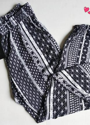 Лёгкие штаны amisu, брюки в чёрно-белый принт,молодежная одежда