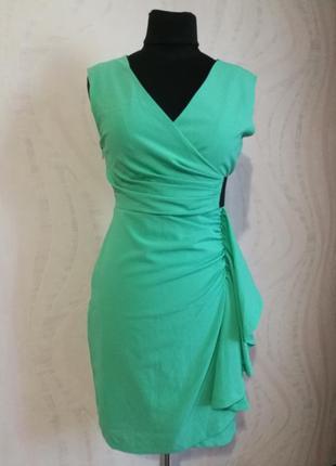 Обалденное платье футляр на запах, цвета молодой зелени