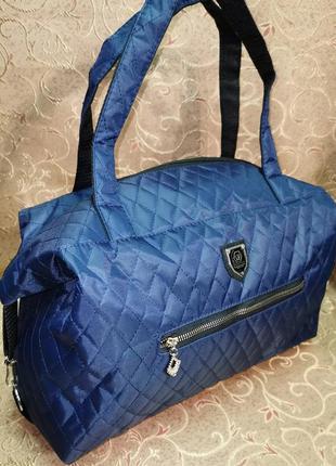 Женская сумка, на боковых карабинах