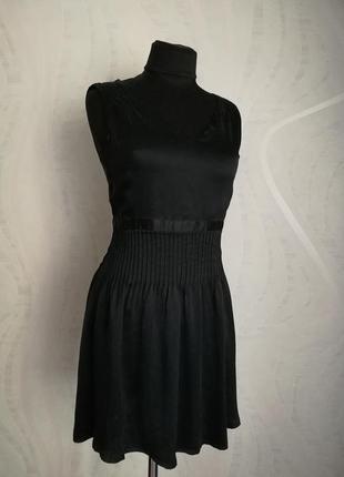 Идеально черное шелковое платье