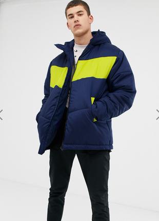 Темно-синяя дутая куртка collusion в стиле колор блок !