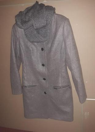 Женское пальто приталеное