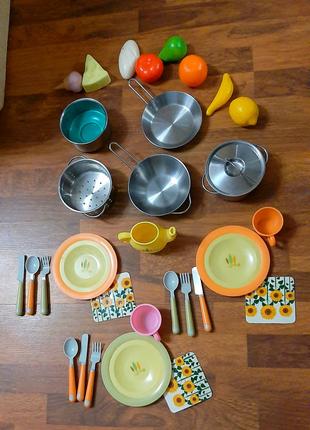Набор детской посуды метал и поастик