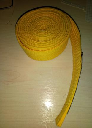 Жолтый пояс для карате