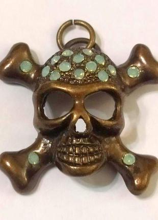 Кулон череп с кристаллами