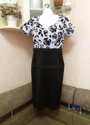 Платье стрейчевое принт розы на 48-50р