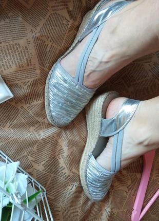 Шикарные босоножки от фирмы  yidorretu