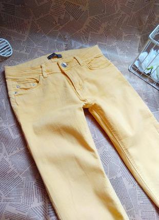 Джинси жовті bershka літні. скинни. штани bershka