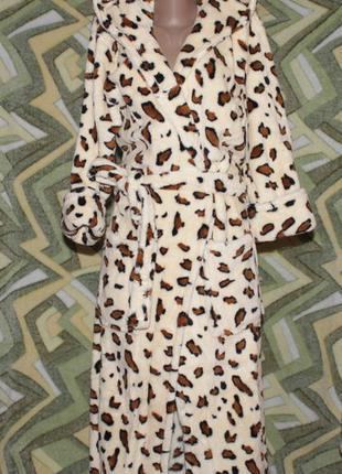 Женский махровый длинный халат на запах с капюшоном леопард