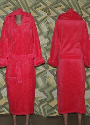 Женский махровый длинный халат на запах с капюшоном малиновый