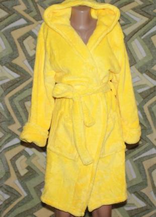 Женский махровый халат на запах с капюшоном желтый