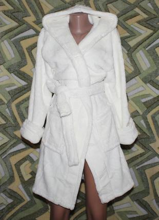 Женский махровый халат на запах с капюшоном белый