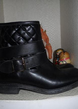 Стильные,фирменные ботинки 36р,кожа натур.