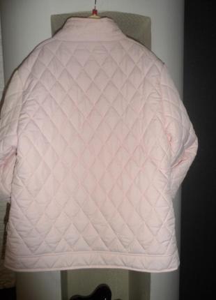 Нежного цвета ,стеганная,фирменная куртка .46р.м-ка