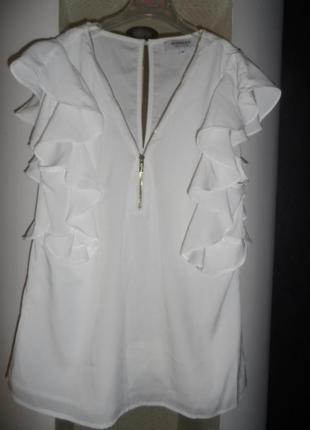 Mango ,стильная блузка с валанами 38р,новая