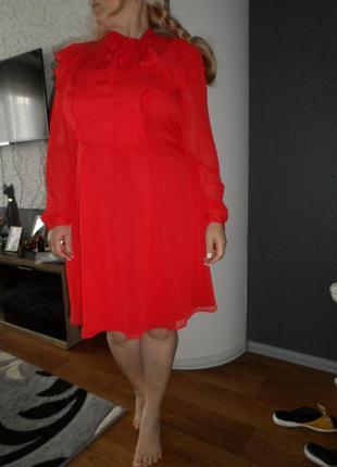 Яркое ,легкое платье 50-52р,новое