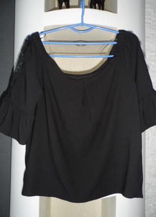 Блузка с красивыми рукавами 50р,в идеале