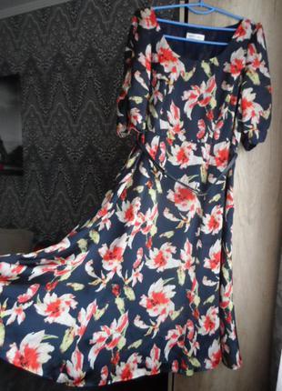 Легкое ,яркое.шёлковое  платье 52-54р.новое