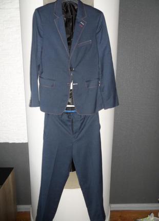 Стильный костюм vels, на рост 150-155 см,1 р.б\у.,в нов.сост