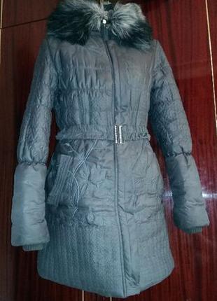 Молодёжное пальто размер 46-48.