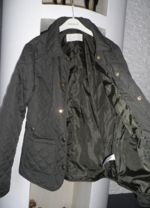 Фирменная,легенькая куртка 10р,в идеале