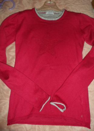 Стильный,мягенький свитерок на 10-11л,