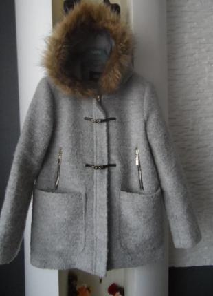 Отличное,фирменное,красивое пальто,р.с