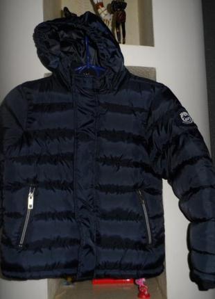 Alive ,классная фирменая куртка 128р,новая.