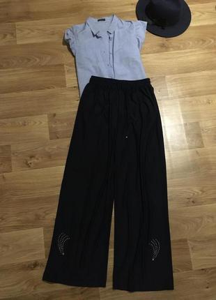 Струящиеся штаны палаццо со стразами рр универсальный
