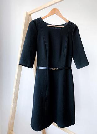 Чорна сукня з пояском hallhuber
